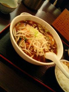 青山一品 チャーシュー麺+半麻婆丼