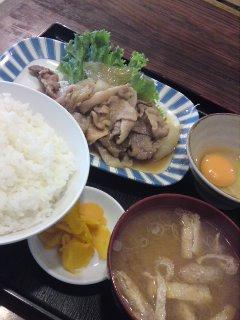 渋谷 赤頭巾 生姜焼定食